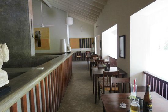 Taru Villas - Lake Lodge : the bar area