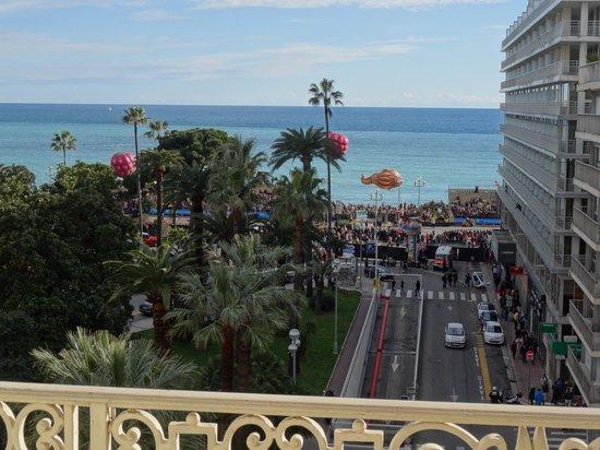 Ambassador Hotel: le carnaval au loin ...mais pas si loin !