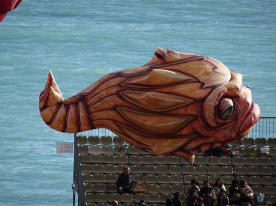 Ambassador Hotel: Un gros poisson carnevalesque