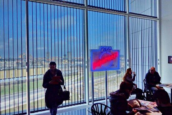 Centre Pompidou-Metz : PAPERAZZI AUSSTELLUNG