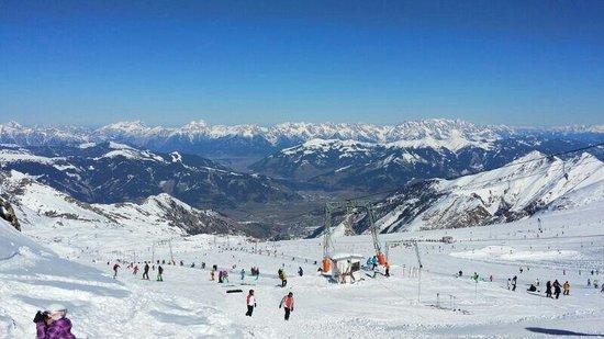 Gotthardt Apartmenthaus: Ski piste