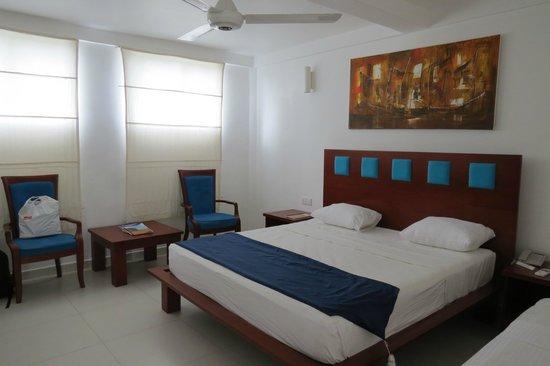 Pigeon Island Beach Resort: our bedroom...huge