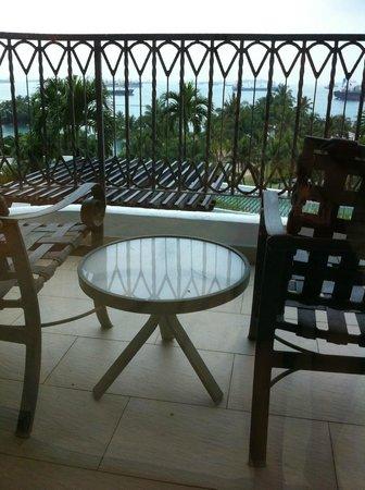 Shangri-La's Rasa Sentosa Resort & Spa : Balcony