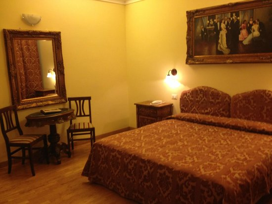 Welcome Piram Hotel: la chambre