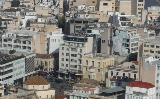 A for Athens: La plus belle terrasse d'Athènes. Photo prise de l'Acropole, c'est vous dire...