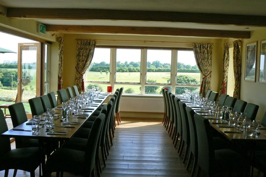 The Black Horse: Great Views over the Golf Course Seating a Party of 34  in theDinning Room