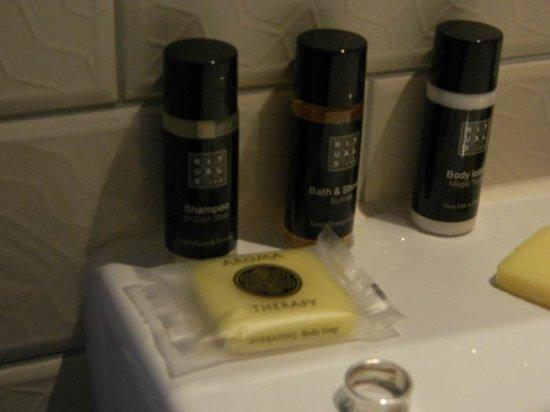 Hotel The Exchange : el detalle del los productos de baño