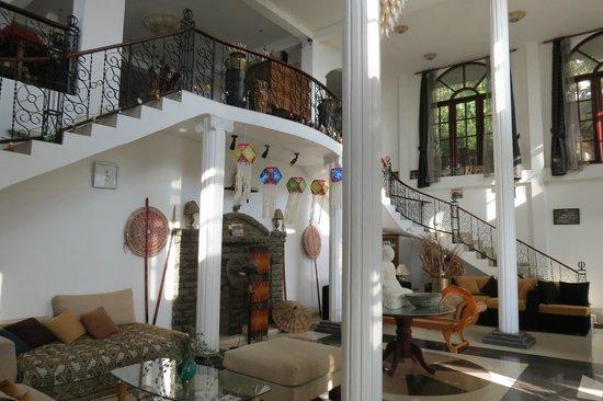 The Richmond House Kandy: the entrance