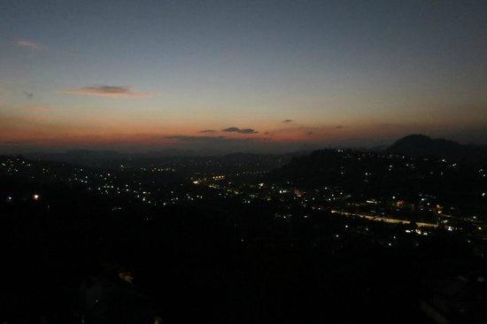 The Richmond House Kandy: Kandy by night