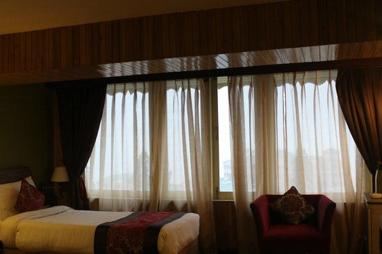Summit Yashshree Suites and Spa: Inside of the room -I