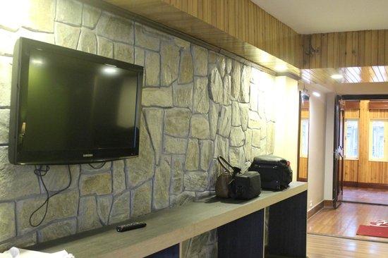 Summit Yashshree Suites and Spa : Inside the room - II