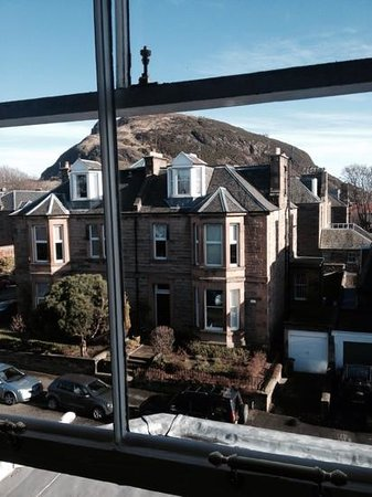Hotel Ceilidh-Donia: View of Arthur's Seat from Room 12