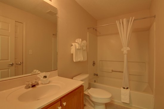 Kennesaw/Town Center Extended Stay Hotel: Newly refreshed bathrooms