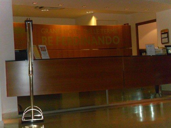 Grand Hotel delle Terme Re Ferdinando: front office
