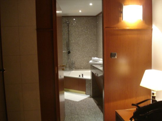 Goldstar Resort & Suites : banyo