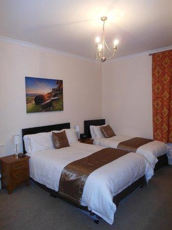 Griff House Bed & Breakfast: Elegant room