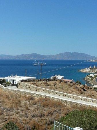 Myconian K Hotels : unser Blick rüber nach Naxos