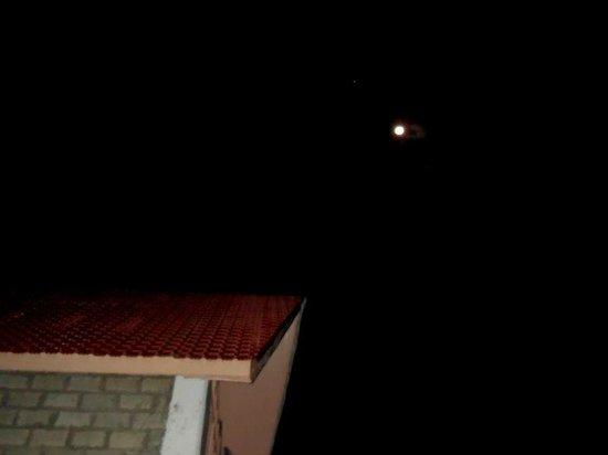 V Resorts Narkanda Cottage : ON A DARK, STARLESS NIGHT