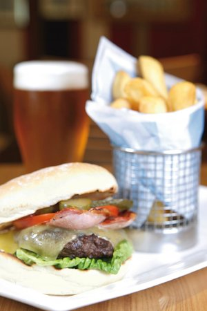 The Gathering Restaurant and Lounge: Cheese & Bacon Burger & Chips