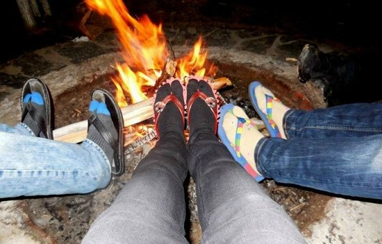 V Resorts Narkanda Cottage: TIME FOR THE FEET TO GET WARM