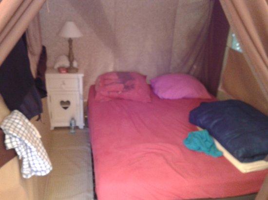 Camping Clair de Lune : Chambre des parents