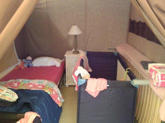 Camping Clair de Lune : Chambre des enfants