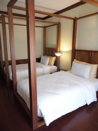 Royal Angkor Resort & Spa: Deluxe bedroom