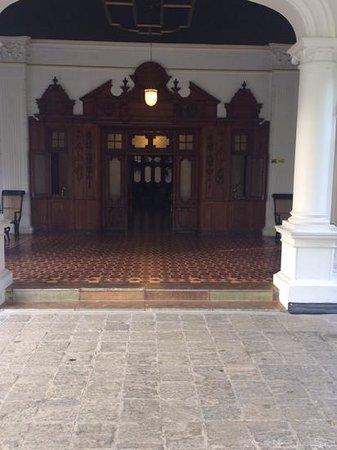 The Mansion : ingresso