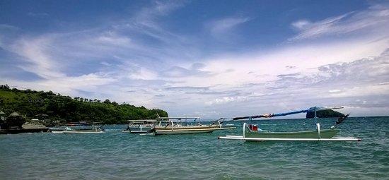 Hotel Genggong at Candidasa: Прибрежная зона.