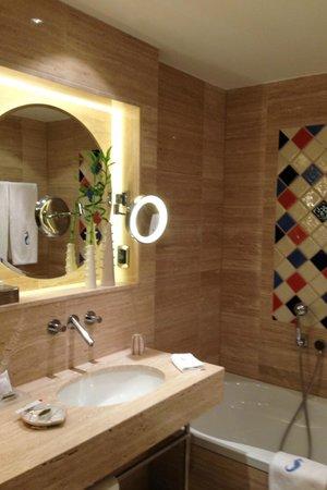 Seaside Palm Beach: Bathroom