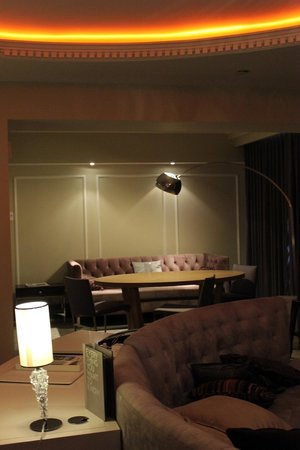 W Washington D.C. : Wow Suite office and dining room areas