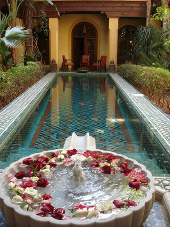 Riyad Al Moussika: Swimming pool