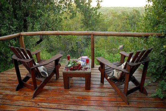 Manyatta Rock Camp : Every room has a lookout deck