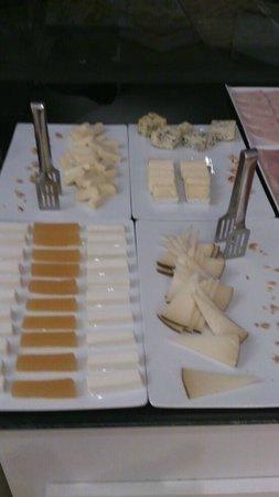 NH Zamora Palacio del Duero: Sección quesos