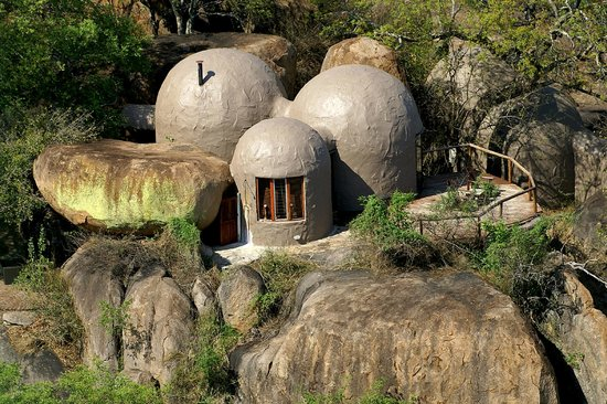 Manyatta Rock Camp : Aerial view of one of the Family Chalets