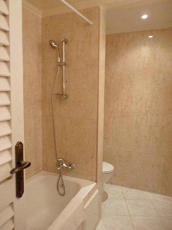 Hotel Le Riad: Baño