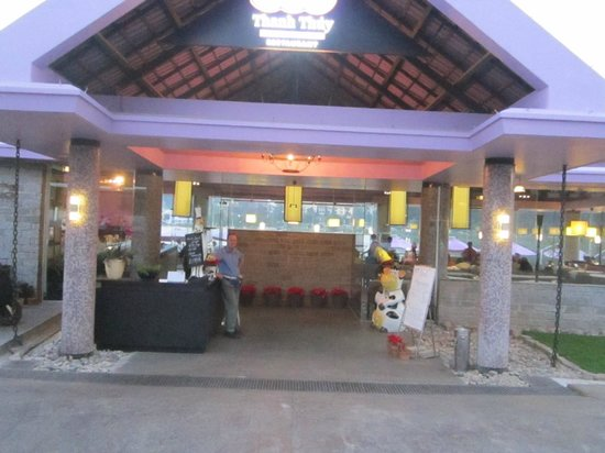 Thanh Thuy Blue Water Restaurant: Entrance