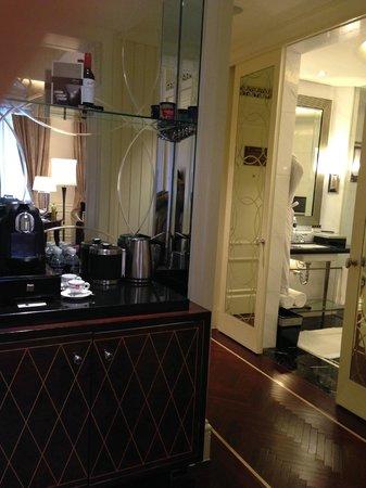 Fairmont Peace Hotel: コーヒー、紅茶、烏龍茶があります