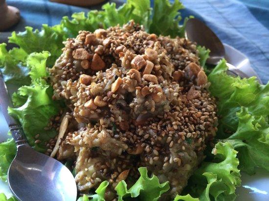 Yar Pyi Vegetarian Restaurant : Special aubergine with sesame
