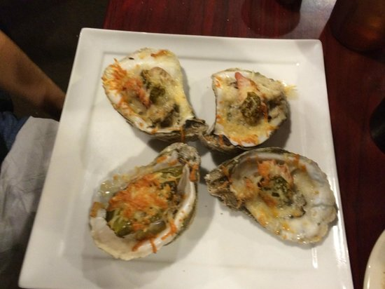 Salty Oyster Grill: Razorback Oysters....more YUM!