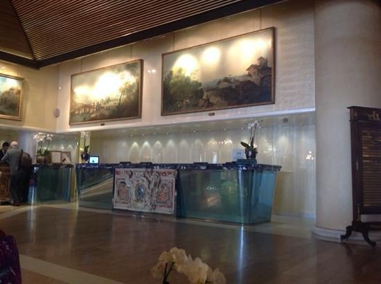 "Rome Cavalieri, Waldorf Astoria Hotels & Resorts: Reception ""desk"""