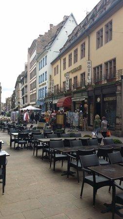 Gurtlerhoft: Vue de la place