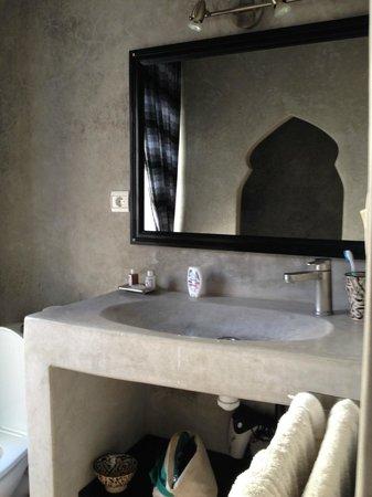 Ryad Lyon-Mogador: Salle de bains