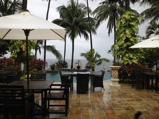 Alam Anda Ocean Front Resort & Spa: Dining area