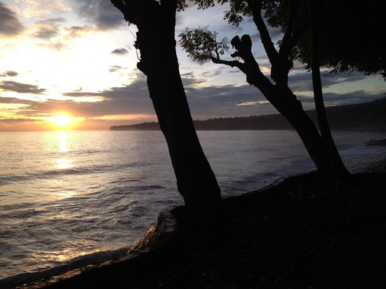 Alam Anda Ocean Front Resort & Spa: View from waterside chair