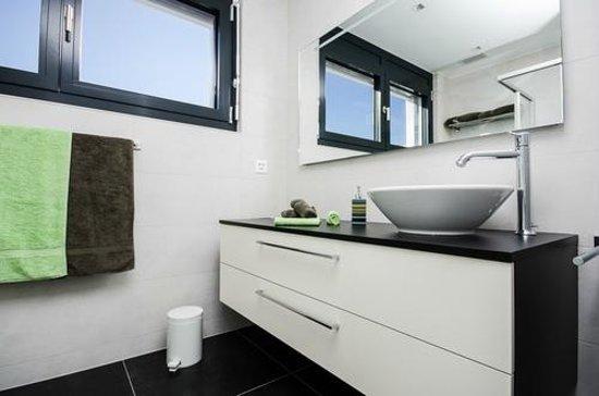 Le Haut des Vignes : Bathroom