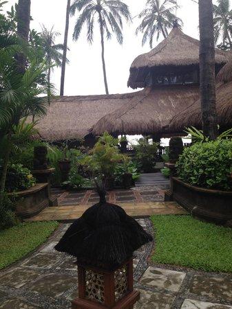Alam Anda Ocean Front Resort & Spa: Lobby