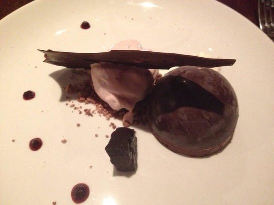 Fothergills: Taste of the Black Forest Dark chocolate mousse, kirsch cream, textures of chocolate, cherry jel