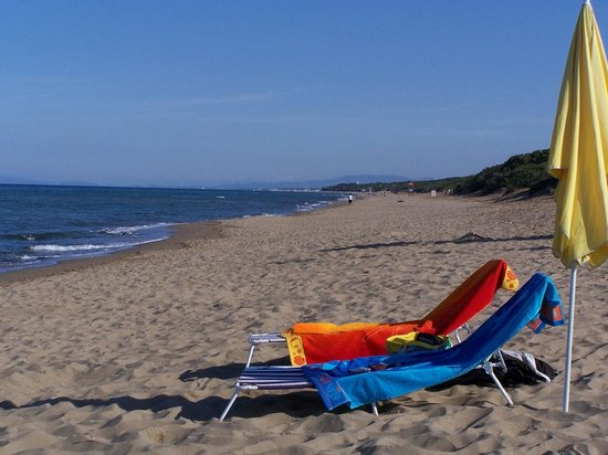 La Fucinaia Bed and Breakfast : kilometer langer Sandstrand
