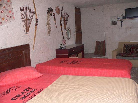Crazy Horse Pension: crazyhorsepension dekarosyonlarıyla süslenmiş odamız cocuklu ailelere tavsiye ederim